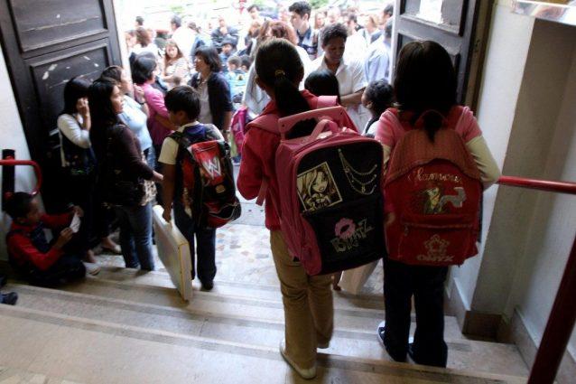 Brescia, due bambini investiti davanti a scuola: paura a Gus