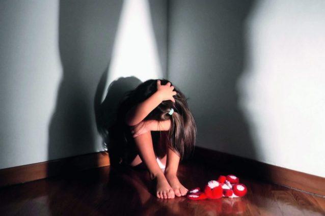 Esine, pensionato 77enne arrestato per violenza sessuale su