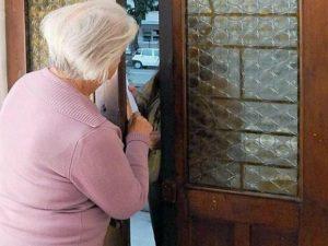 Milano, truffavano gli anziani con la tecnica dell'esenzione