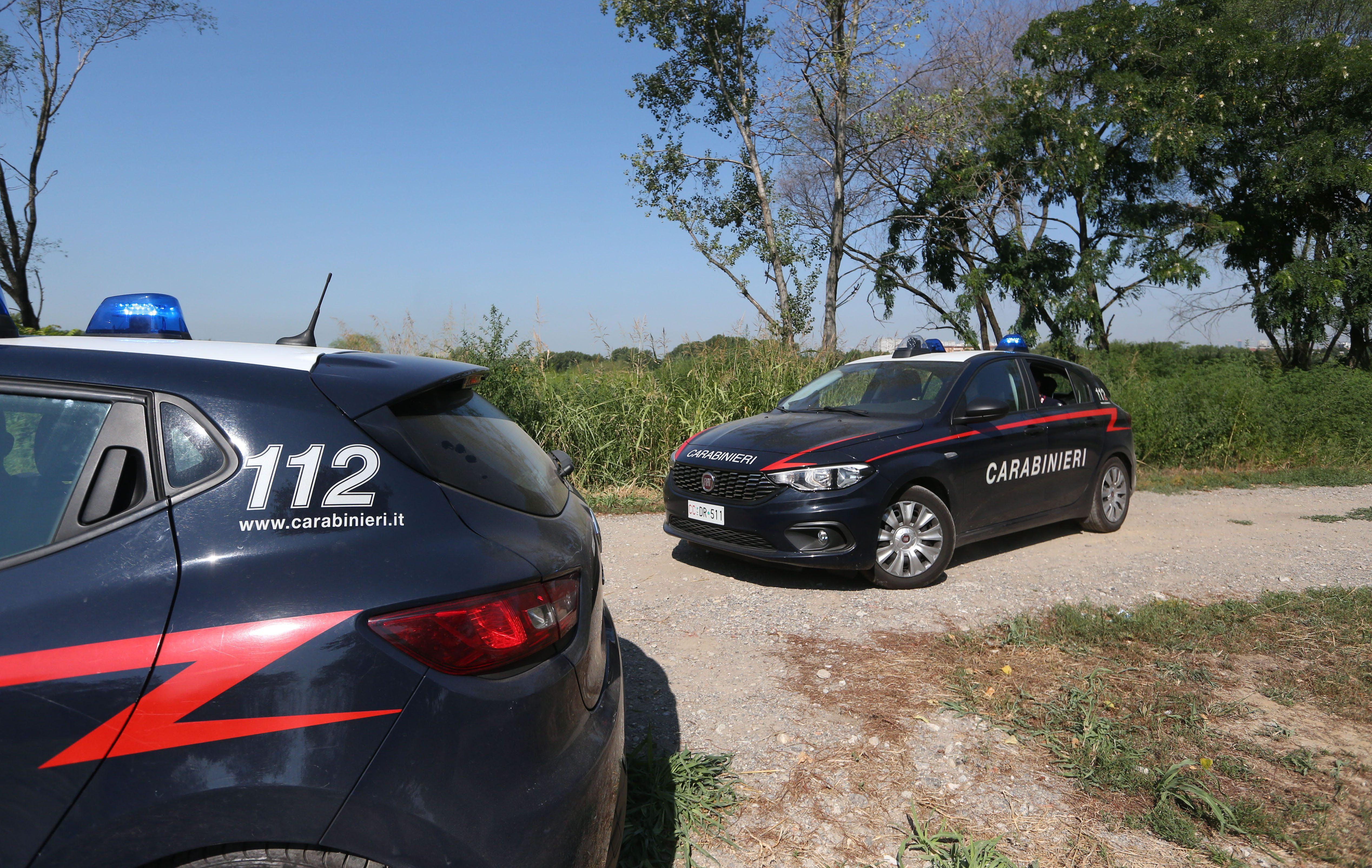 Ballabio, ragazzo rapinato e aggredito nei boschi della droga: mozzate due dita a colpi di pistola - Milano Fanpage.it