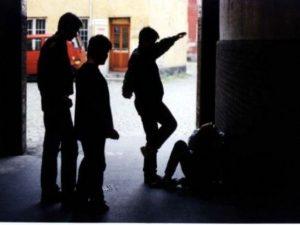 Mantova, arrestato 19enne: è a capo di baby gang che ha rapi