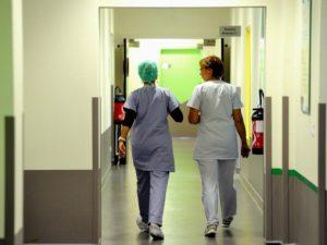Pavia, vince un concorso all'ospedale ma non viene assunta perché ha la sclerosi multipla
