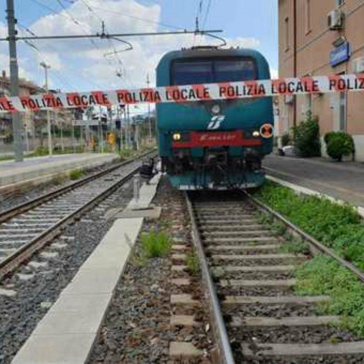 cerco lavoro a domicilio uncinetto binario treno milano centrale monza