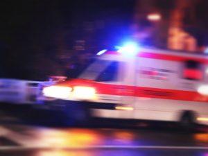 Incidente nella notte a Milano: uomo in coma, feriti cinque ragazzi