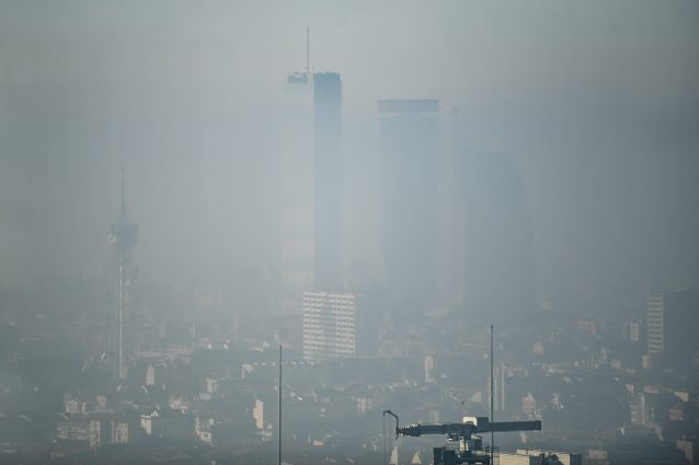 Emergenza smog, a Milano blocco totale del traffico domenica 2 febbraio
