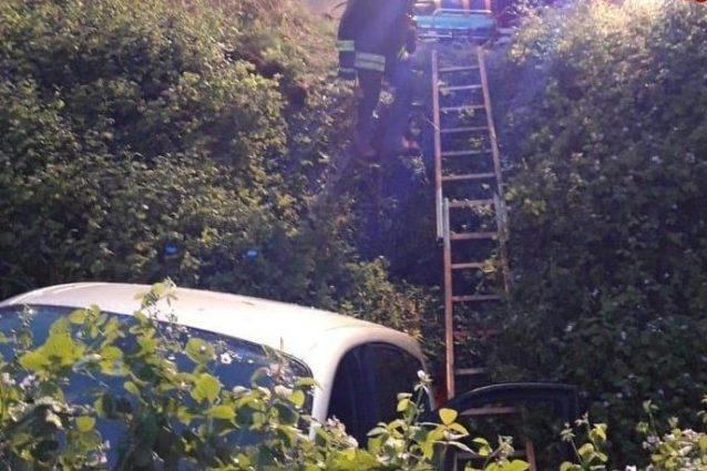 Rodengo Saiano, schianto nella notte: auto si ribalta in un
