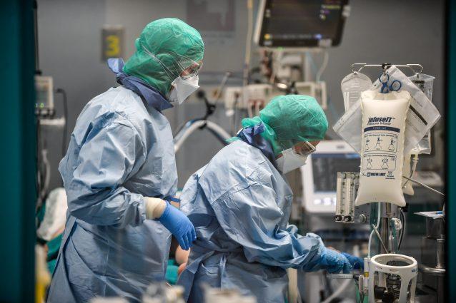 """Medici contro Gallera: """"Avete depotenziato la sanità pubblic"""