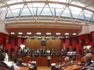 Corteo anti-Salvini, dal Consiglio comunale no a solidarietà ai poliziotti feriti
