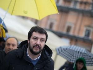Matteo Salvini querela Nino D'Angelo: è guerra
