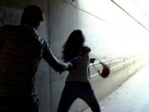 Varcaturo, aggredisce l'ex moglie: arrestato 29enne