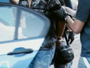 Napoli, arrestato il killer della camorra Salvatore Sembianza: si nascondeva in un B&B