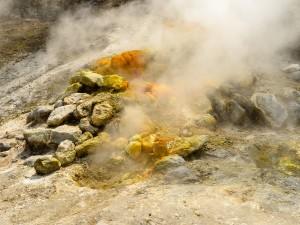 Campi Flegrei, il piano in caso di eruzione: ecco dove andranno le famiglie evacuate