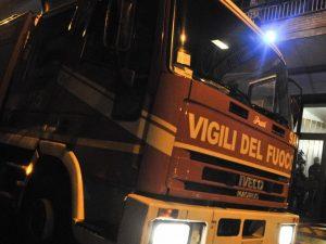 Benevento, la casa va a fuoco per un corto circuito: intossi