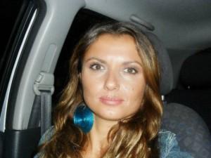 Carla Caiazzo, bruciata dall'ex, si candida al consiglio comunale di Pozzuoli
