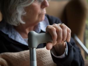 Rapinata in strada per soli 7 euro: anziana sotto choc a Casalnuovo