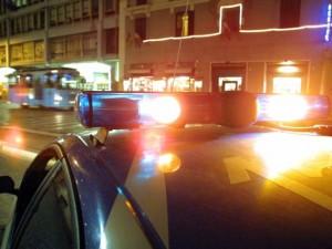 Aggressione nella notte a piazza Mercato, accoltellato un ragazzo di 15 anni