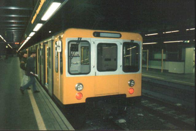 Gli orari della Linea 1, 2 e 6 della metropolitana di Napoli