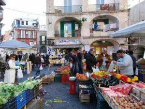 Pignasecca, cosa sapere sulla caratteristica via di Napoli