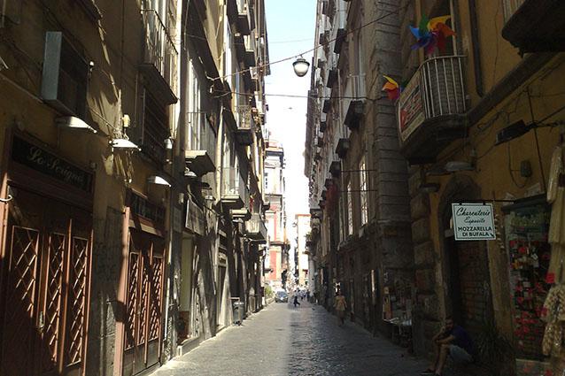 Spaccanapoli, tratto della strada verso Forcella