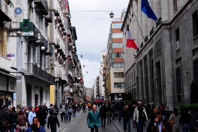 Le vie dello shopping di Napoli 6030b37b8a0