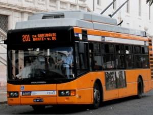 Domani a napoli bus e metro regolari, trovato l'accordo tra Anm e sindacati