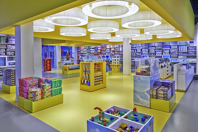 Lego store ufficiale al centro commerciale campania dal 12 for Centro commerciale campania negozi arredamento