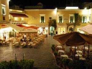 Capri dice addio a Luisa Vuotto Strina: la Piazzetta è in lutto