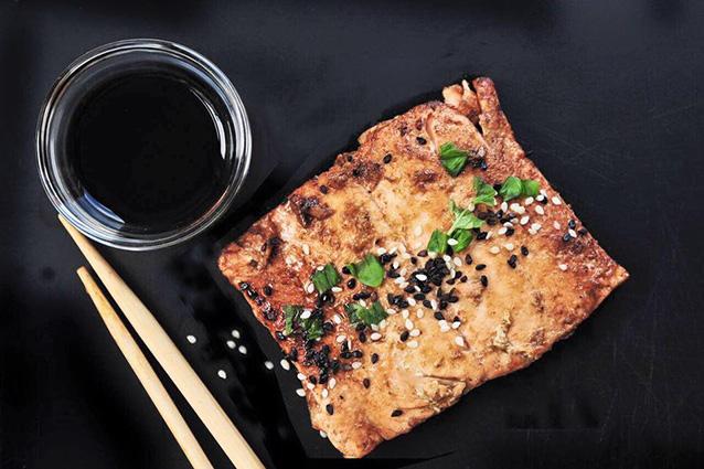 Salmone in salsa teriyaki, una delle specialità di Giappo