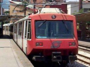 """Circumvesuviana, lunedì di passione tra treni soppressi e ritardi """"programmati"""""""
