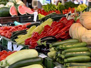 Frutta e cozze esposti agli agenti inquinanti: maxi sequestro a Fuorigrotta