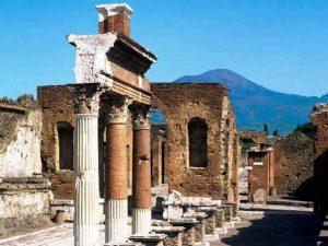 Pasquetta, record di presenze in Campania: boom a Pompei e alla Reggia di Caserta