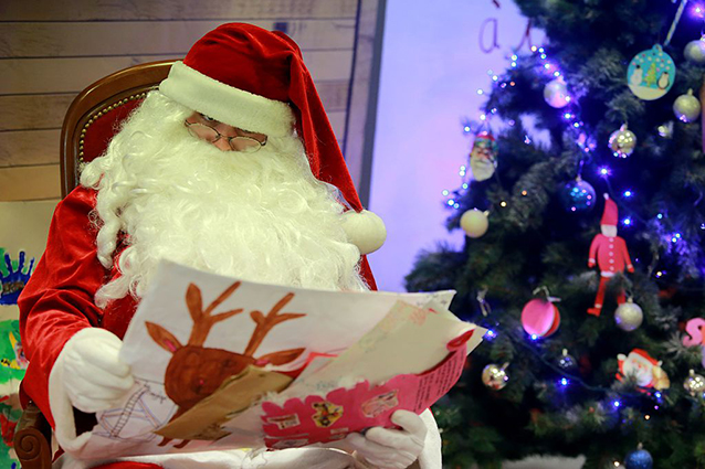 Addobbi Natalizi Gloria Giugliano.Villaggi Di Babbo Natale A Napoli E In Provincia Mappa Orari E Prezzi