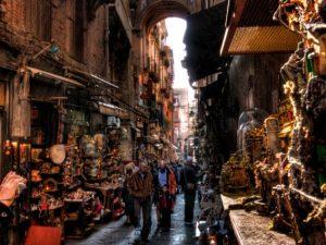 Il Guardian: Napoli è tra le dieci migliori città europee per lo shopping di Natale