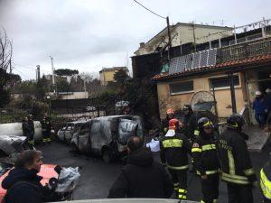 Tragedia ai camaldoli incendio distrugge una piscina 1 - Piscina ariete napoli ...