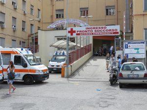 Napoli, 68enne cade e muore all'ospedale Loreto Mare: aperta un'inchiesta