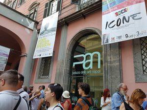 Esterno del Palazzo delle Arti di Napoli (Facebook).