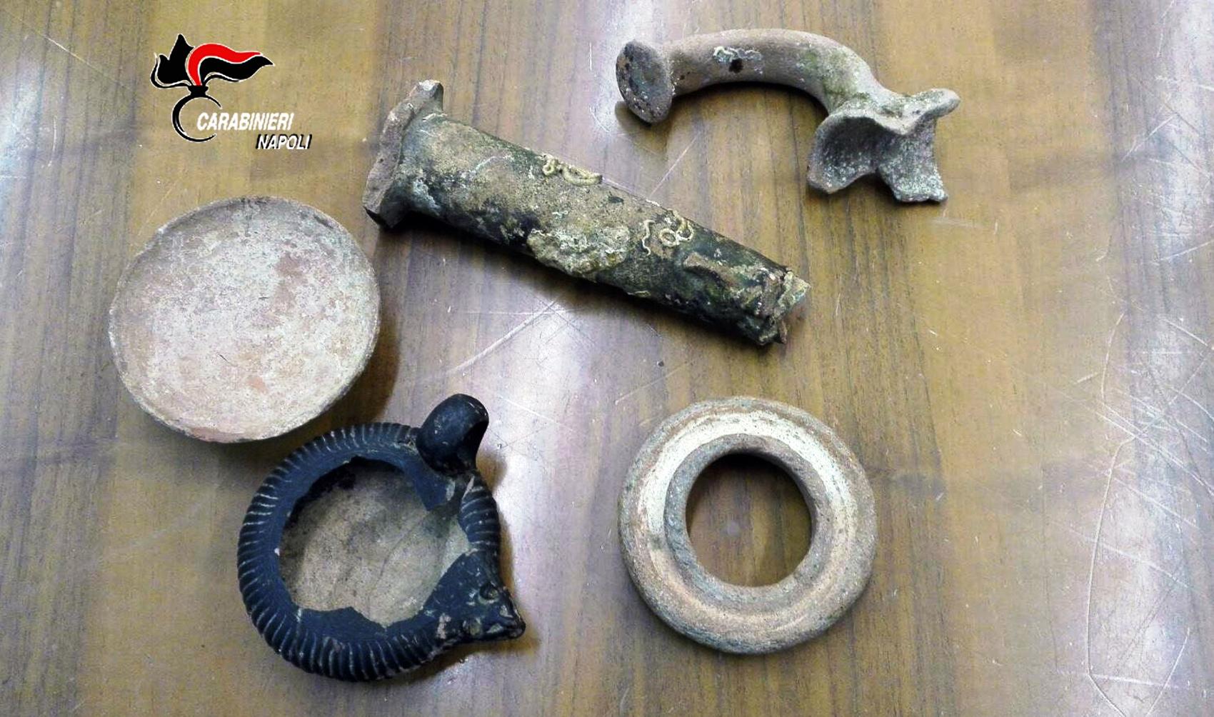 Utilizzava reperti archeologici per arredare casa for Enrico esente arredamenti napoli
