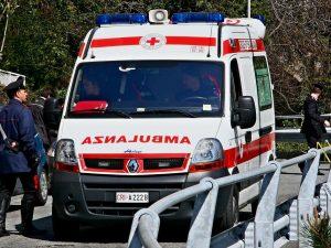 Maxi tamponamento tra sei auto a Battipaglia: tre feriti gravi