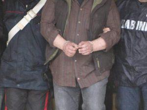 Napoli, 15enne ferito per errore in un agguato: fermati due uomini
