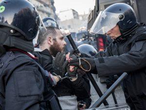 Uno degli attivisti arrestati sabato a Napoli