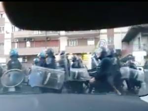 """""""Ho paura per i manifestanti"""": il corteo anti-Salvini visto con gli occhi di una bimba"""