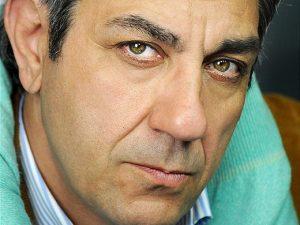 Migliorano le condizioni dell'attore Giuseppe De Rosa, ferito in un incidente