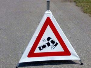 Tir si ribalta sull'Appia: strada chiusa e traffico in tilt tra Sessa e Carinola
