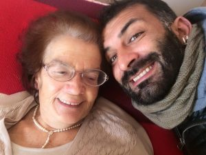 Nonna Maculatina e il nipote Michele (Foto Facebook)