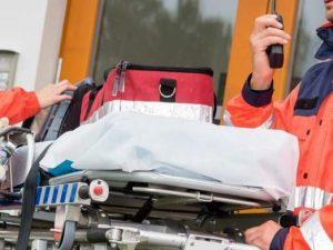 Rubano la barella ai soccorritori del 118: furto choc a Napoli