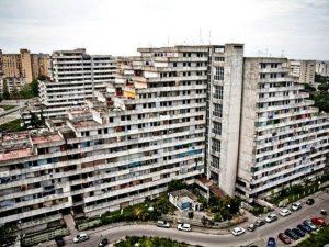"""Scampia, il sindaco de Magistris: """"Entro la fine dell'estate abbatteremo le Vele"""""""
