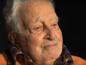 I 90 anni di Carlo Croccolo, voce di Totò: dal Comune una medaglia all'attore napoletano