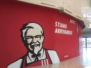 Il ristorante KFC all'interno del centro commerciale La Cartiera di Pompei