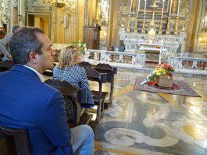 I funerali di Rino Zurzolo, il contrabbassista di Pino Daniele: in chiesa anche De Magistris