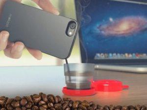 """Stop alla raccolta fondi per lo smartphone che fa il caffè: """"Il prototipo non funziona"""""""